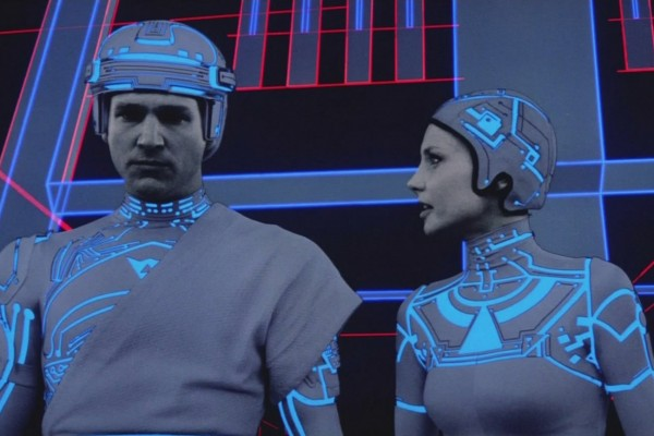 Tron movie - Flynn and Lora