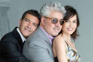 Pedro Almodóvar and the main actors of La Piel Que Habito