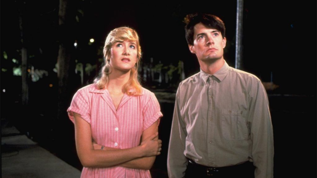 Laura Dern and Kyle McLachlan in Blue Velvet